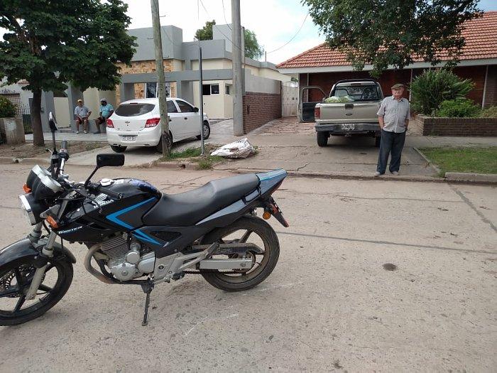 Motociclista lesionado en Brinkmann y robo de celular en Miramar