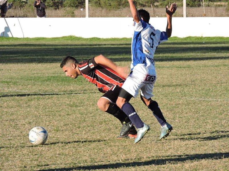La Liga: Sin jugar..San Jorge sigue en la punta. CAPU manda en la otra zona