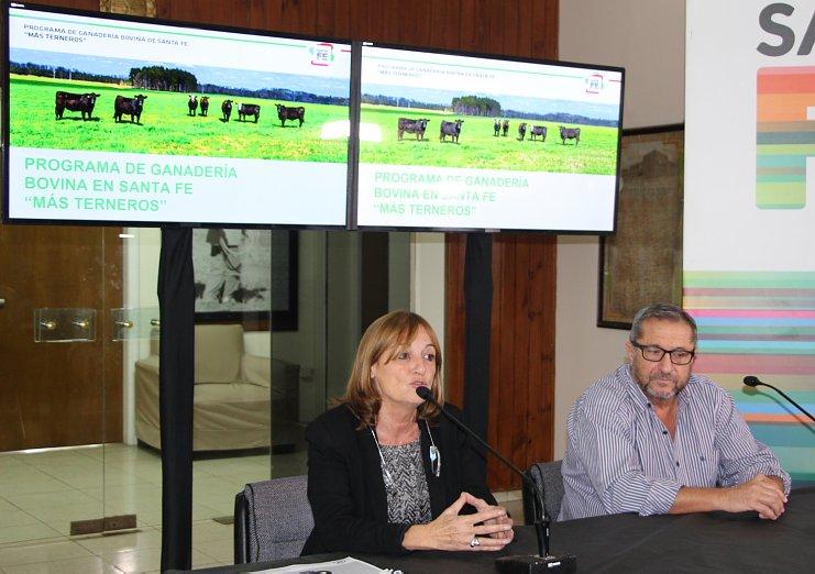 """El Ministerio de la Producción presentó el programa """"Más terneros"""""""