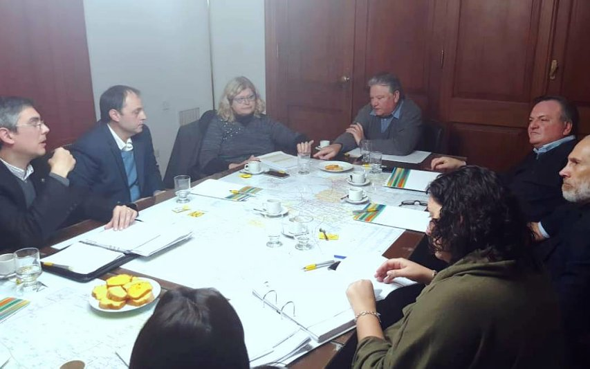 Senadores se reunieron con Balagué por los traslados de profesores