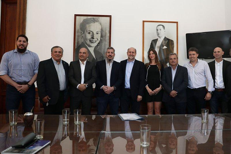 El PJ departamental se reunió con el Senador Perotti