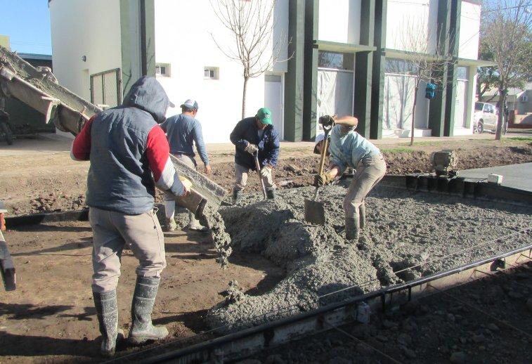 Lifschtiz lanzó un plan para pavimentar calles en toda la provincia